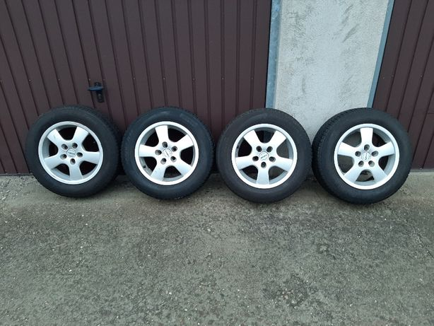 Felgi aluminiowe 5x100x54 Toyota z op. zimowymi Pirelli 195/65/15