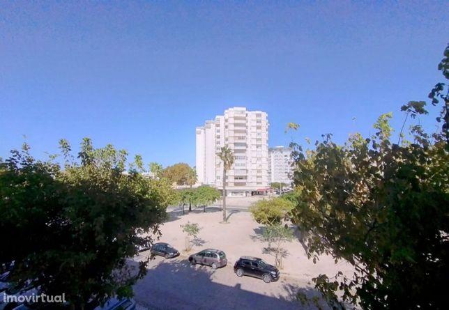 Apartamento T3 Remodelado Costa Da Caparica