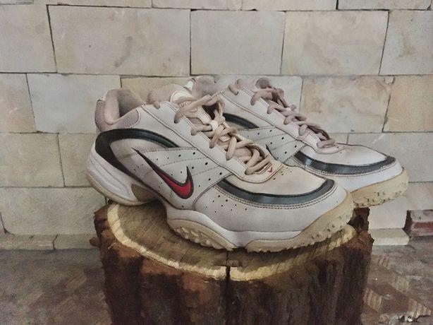 Кожаные крассовки Nike, оригинал, по стельке 26,5
