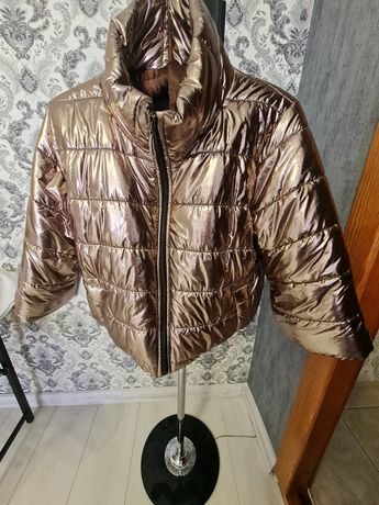 Стильная зимняя куртка. Новая! С-М. Торга НЕТ! ОБМЕНА НЕТ