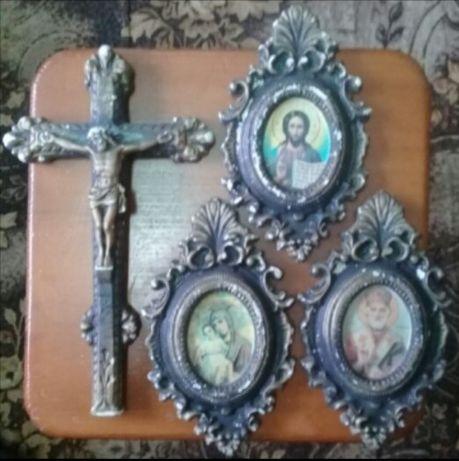 Хрест і три ікони. Антикваріат. Ціна договірна.