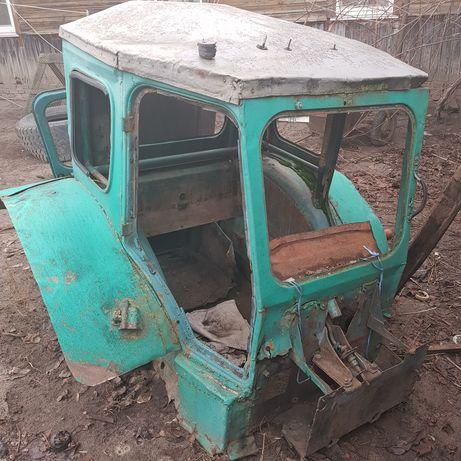 Кабина , капот на трактор т40