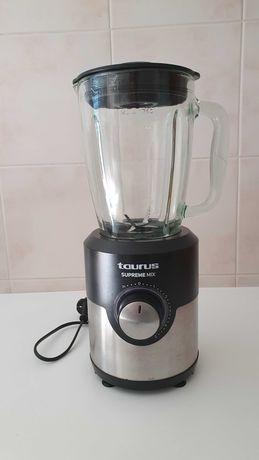 Liquidificadora TAURUS como nova