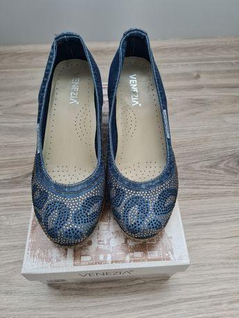 Buty Venezia jeansowe na koturnie jak nowe