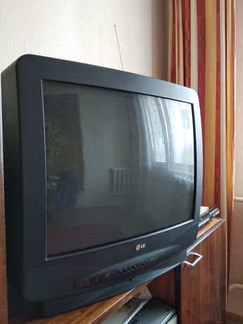 Телевизор LG 54 см