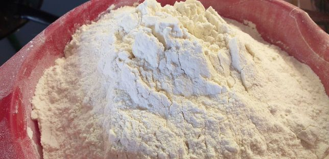 Maka pszenna chlebowa z własnej pszenicy typ 750
