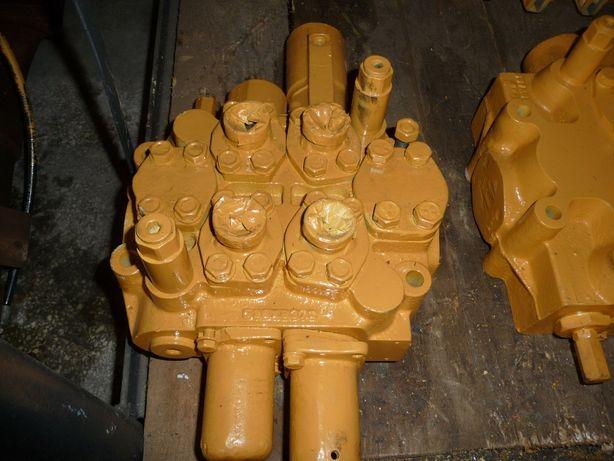 Rozdzielacz hydrauliczny roboczy ładowarka Ł-200 Fadroma