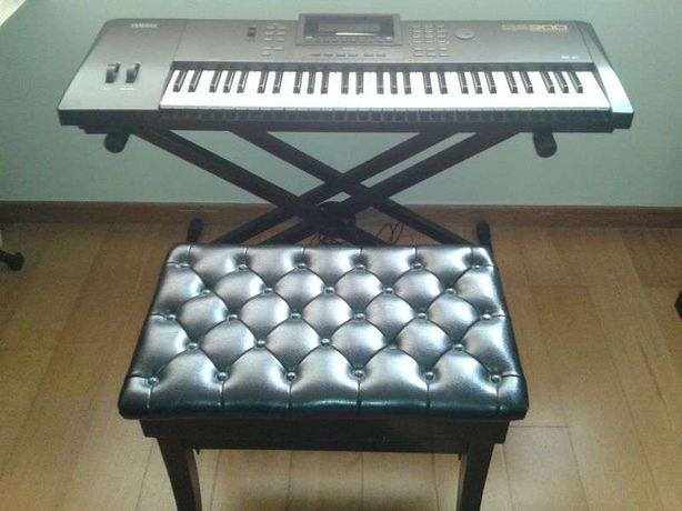 Piano / sintetizador / sequenciador teclado Yamaha QS 300