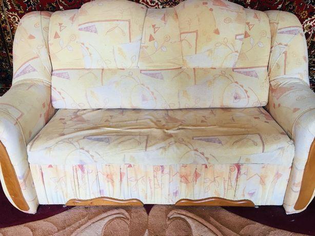 Продам диван + 2 крісла.
