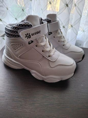 Зимние ЭКО-кожаные кроссовки
