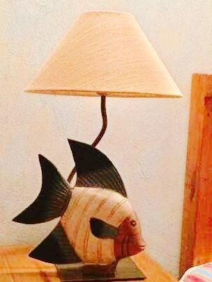 Candeeiro (1) com peixe em madeira