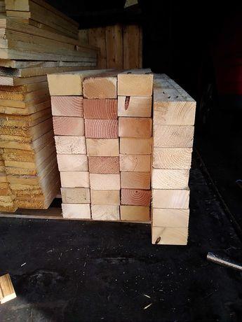 Kantówki, belki, drewno do obróbki.