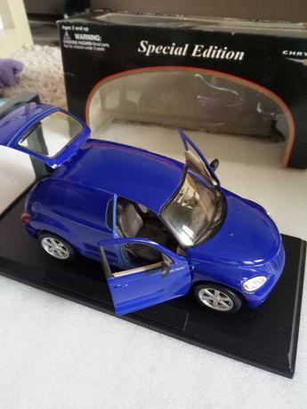 1:18 model PT Cruiser Furgon