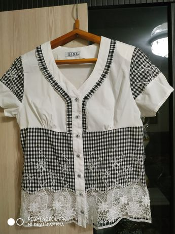 Блузка женская нарядная.
