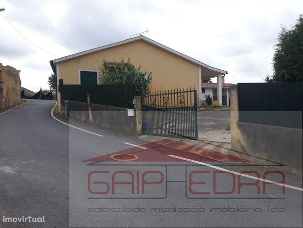 Moradia térrea Sangalhos junto estação comboio