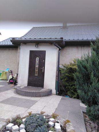 Dom jednorodzinny z duzym podwórkiem