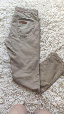 Męskie spodnie materiałowe Reserved