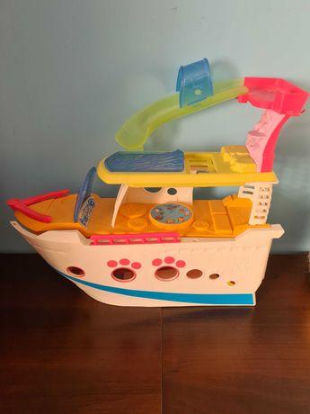 Statek dla petshopów