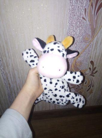 Вместительный пенал в форме коровы