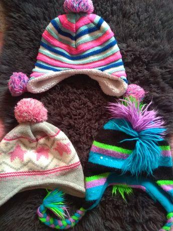 Яркие шапочки на девочку