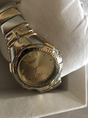 Relógio dourado QMAX