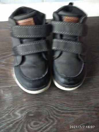 Продам ботиночки на мальчика
