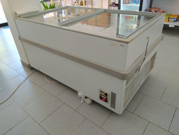 Arca congeladora mini-mercado