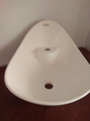 Умывальник в ванную