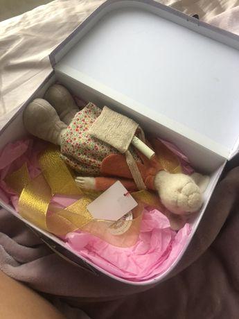 Игрушка крыс в красивой коробке