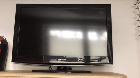 Telewizor marki Samsung 32cale