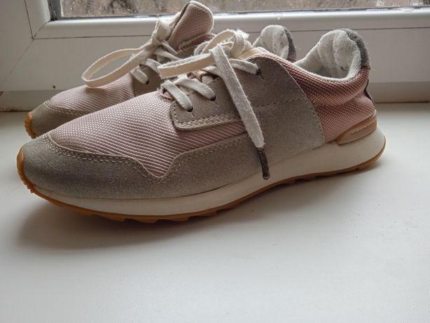 Жіночі кросівки Clarks