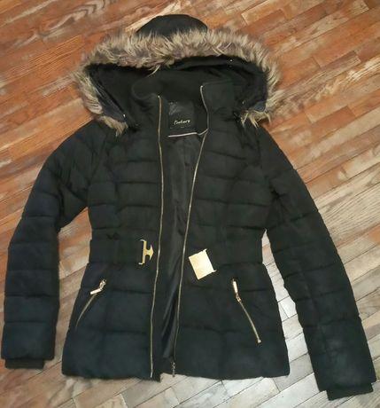 Зимняя куртка супер теплая модная  черного цвета размер S-M,