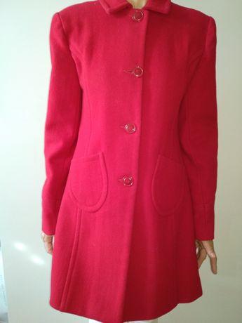 Sprzedam płaszcz jesienny czerwony rozmiar S/M