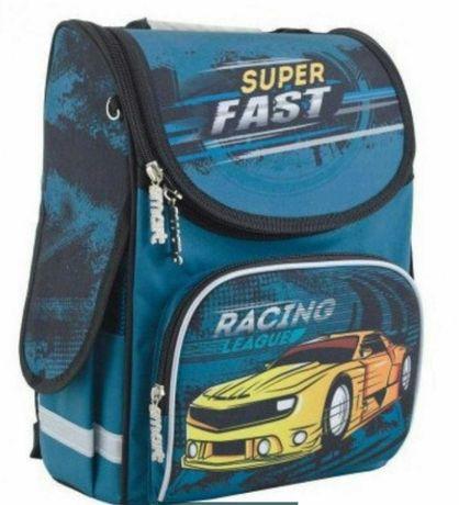 Рюкзак ортопедический каркасный Smart для мальчика 1-4 класс