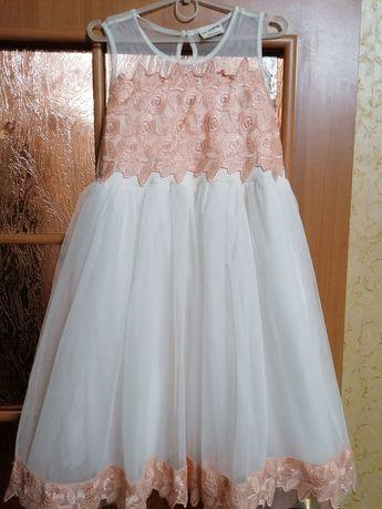 Платье нарядное на рост 140