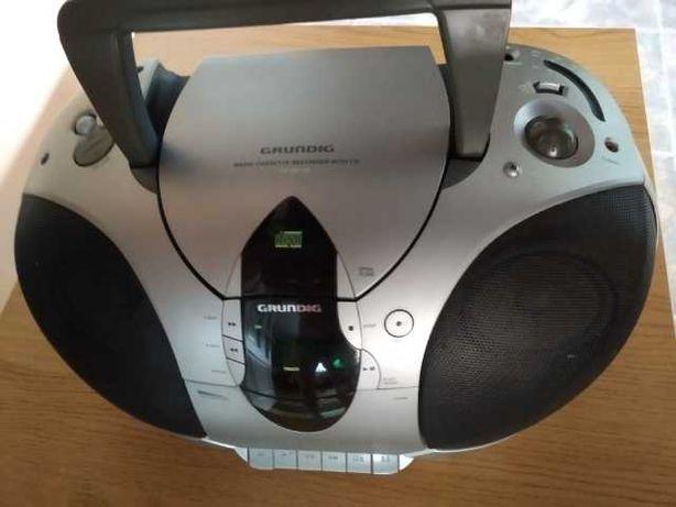 Radio Grundig z CD, FM i odtwarzaczem kaset