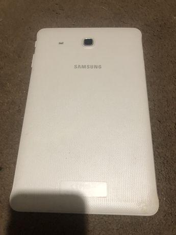 Samsung tab E sm t561