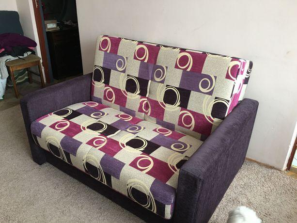 Rozkładana sofa dwuosobowa