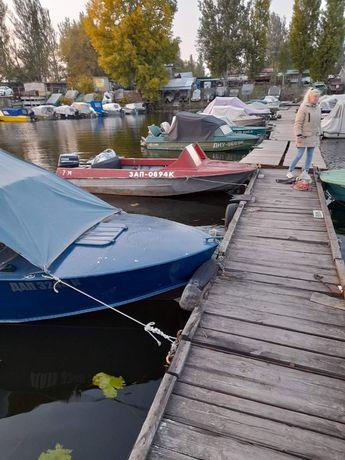 Продается лодка с боксом на 7причале