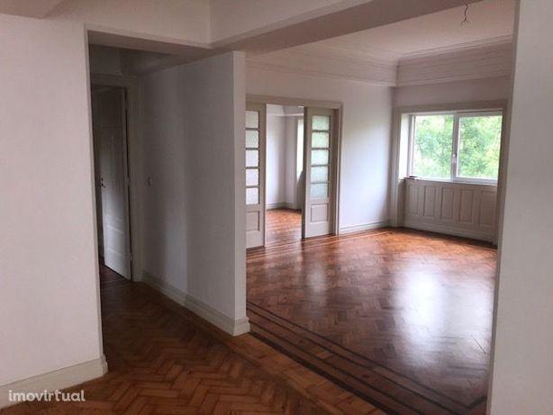 Apartamento T4+1 baixa do Porto