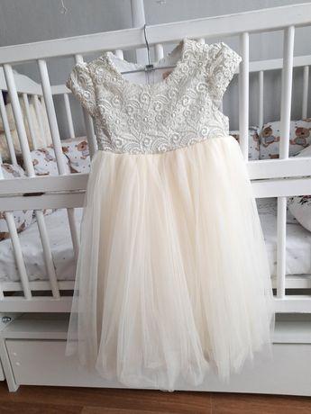 Нарядное платье 104р
