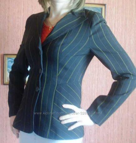 женский приталенный пиджак жакет в полоску 46 р. КАК НОВЫЙ