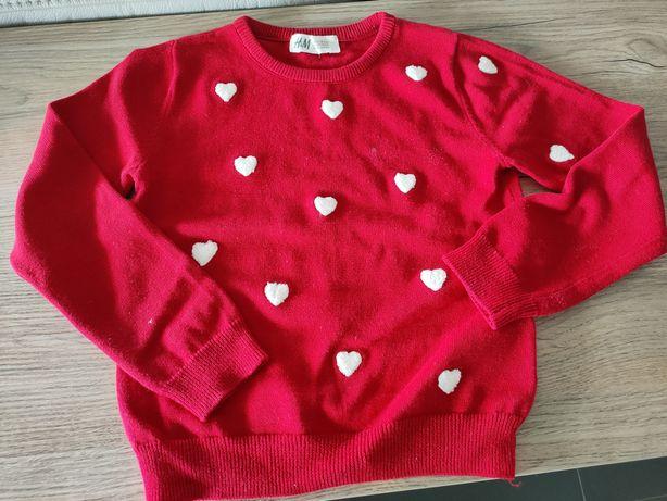 H&M Czerwony sweterek w serduszka roz 110/116