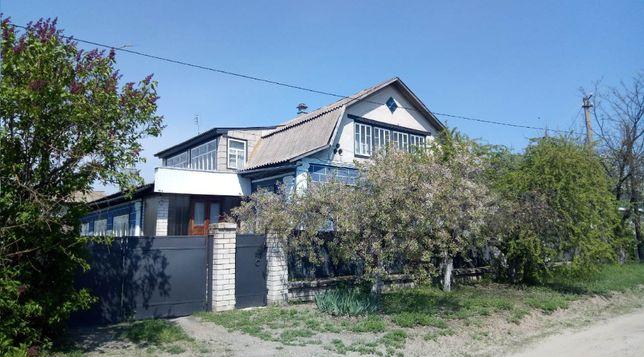Дом на Набережной. 110 м2. Земельный участок приватизирован, 0.21 Га.
