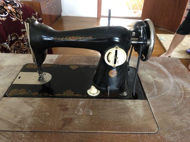 Продам швейну машинку ПМЗ