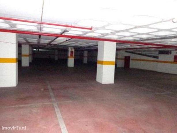 Novidade - Garagem 1162m2 - Imóvel de Banco