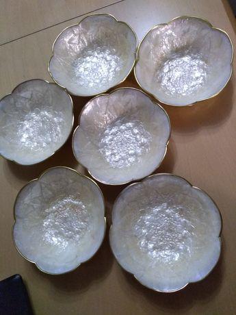 Unikatowe miseczki z masy perłowej zabytkowe