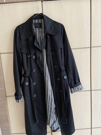 Чорний тренч, плащ, пальто