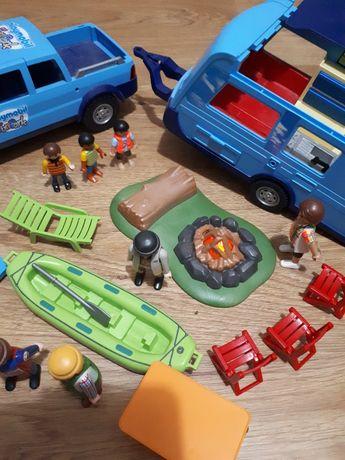 Auto z przyczepa kempingowa playmobil 9502