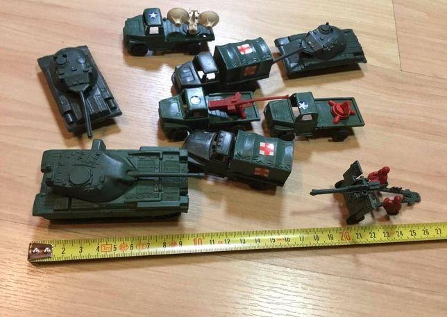 Lote de brinquedos militares em plástico